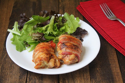 real food recipe round up + weekly meal plan featuring bacon wrapped chicken thighs