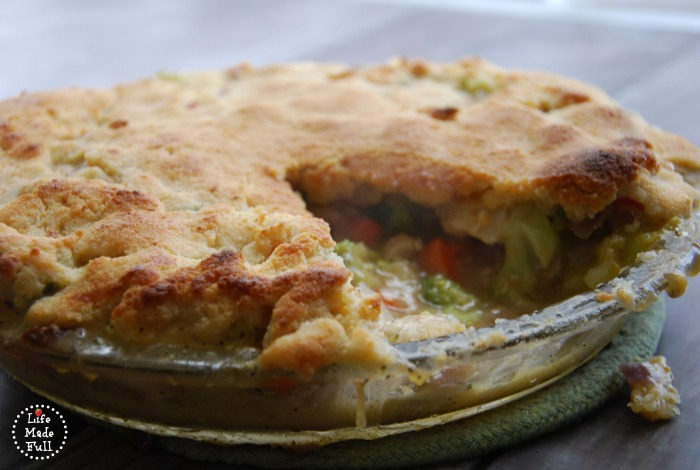 weekly meal plan featuring paleo chicken pot pie